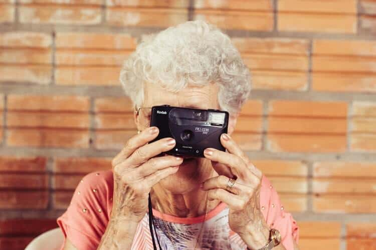 27 Best Birthday Gift Ideas For 70 Year Old Woman In 2020
