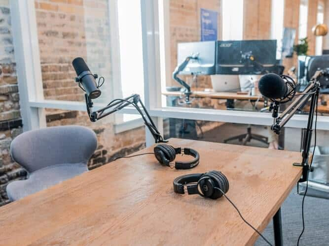Best Gifts for Podcast Lovers In 2020; 19 Great Ideas That Never Fails