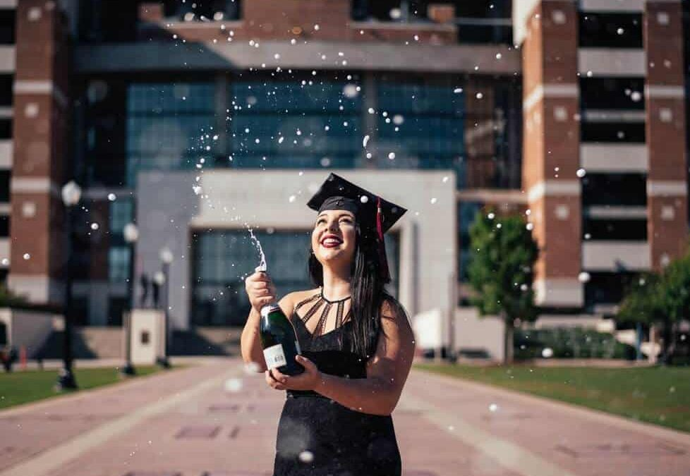 Graduation Gifts For Girlfriend; 24 Best Ideas For 2020